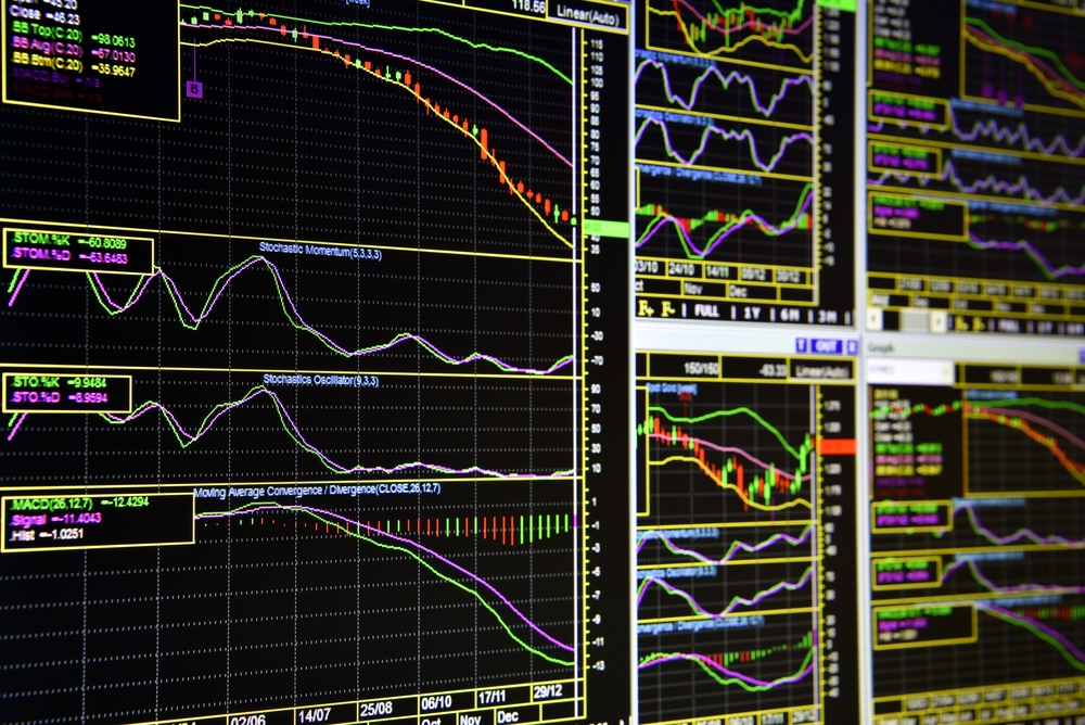 """Aktieanbefalinger – De 3 grunde til, du taber penge på at lytte til """"eksperterne"""""""